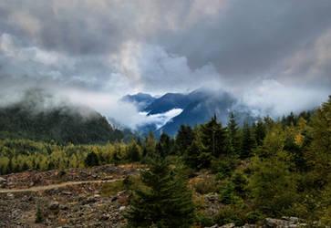 Autumn in Mountains by dashakern