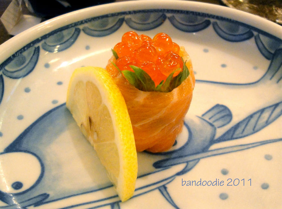salmon sushi by bandoodie