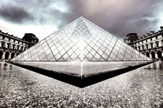 Paris - The Louvre in HDR