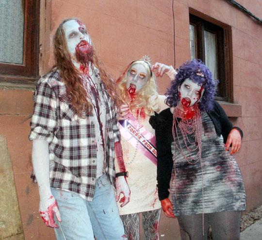 glasgow zombie walk 2010 by megoboom