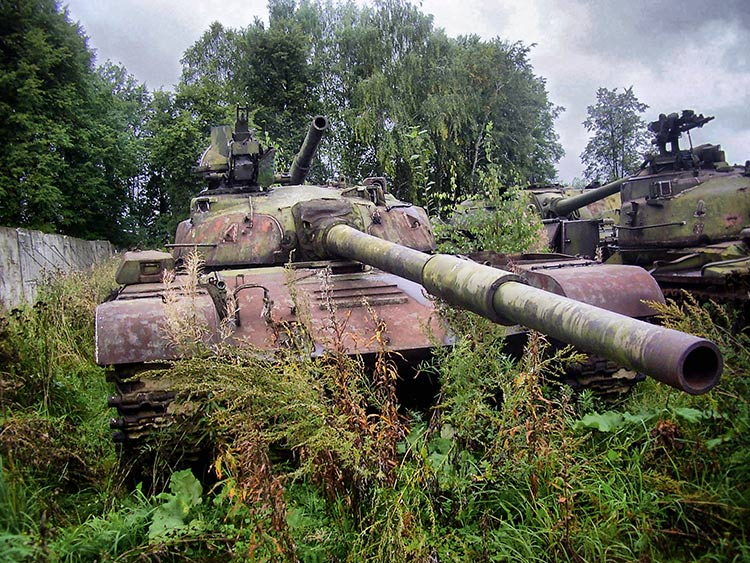 Old sick tank by ohlopkov