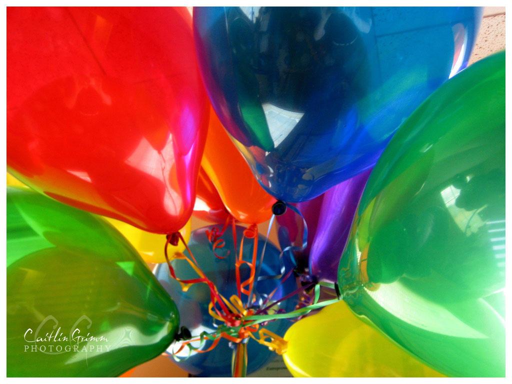 بوم ..بوم ...طرااخ طرااخ  Party_balloons_by_loveboxx