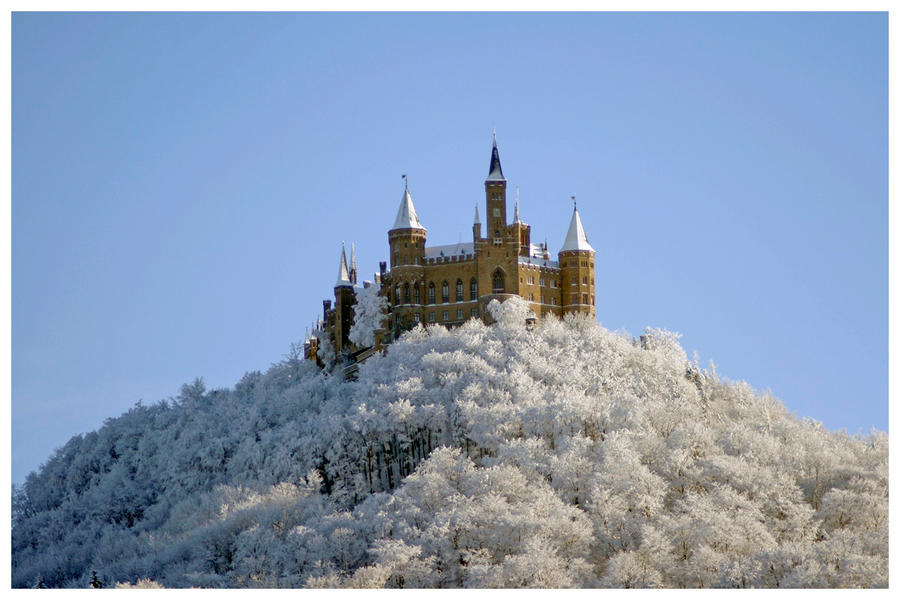 ~~Abandoned Cool Castle~~ Castle_in_snow_by_mystic86