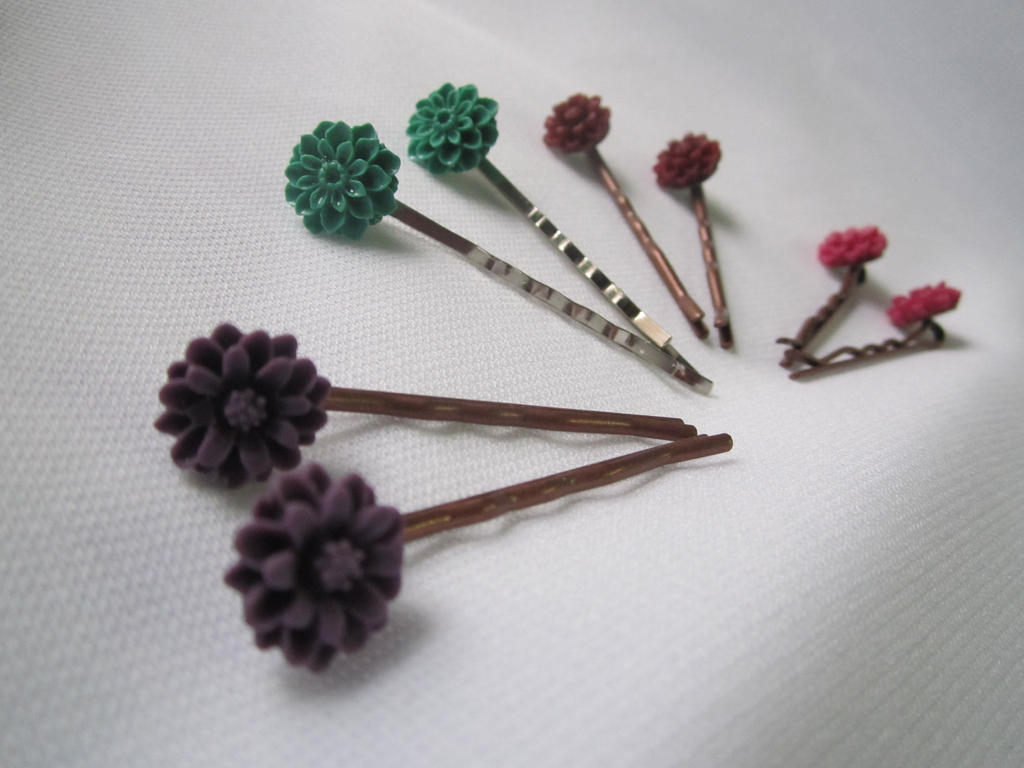 Set of 2 Resin Floral Chrysanthemum Hair Pins by SnowBunnyStudios
