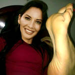 Olivia Munn's stretched sole