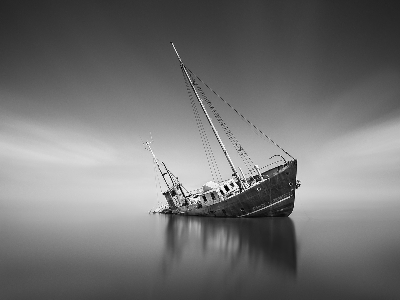 Shipwreck by MikkoLagerstedt
