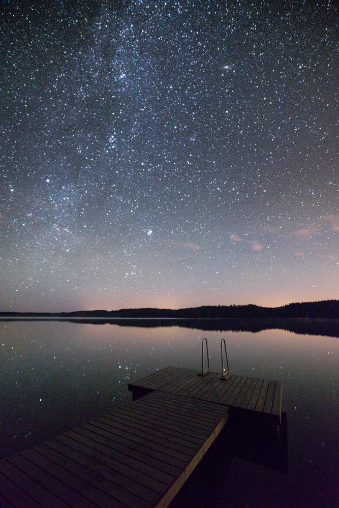 Night Reflection by MikkoLagerstedt