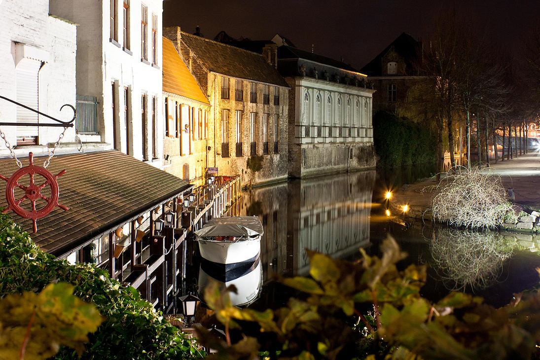 Brugge by ukwreckdiver