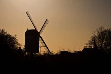Windmill, Brugge by ukwreckdiver