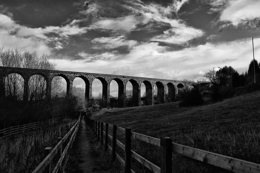 the viaduct black+white 1 by Az-tech