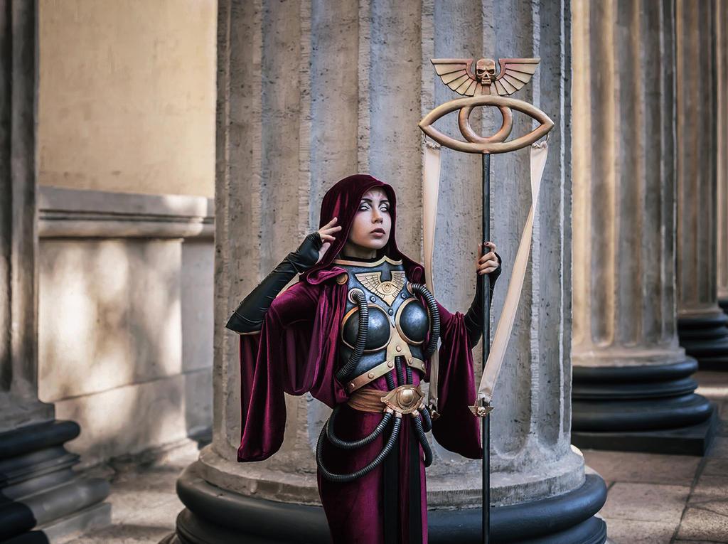Warhammer 40k: Imperial Astropath cosplay by Oladushek