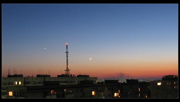 Nightfall by MoonHobbit