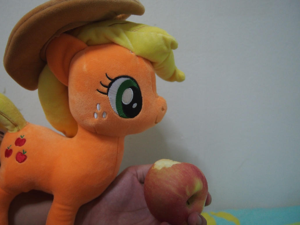 Told ya our apples are the best! by Dynasty-Dawn