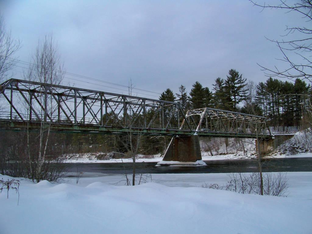 Sewalls Falls Bridge, Concord New Hampshire by UmaNHamU