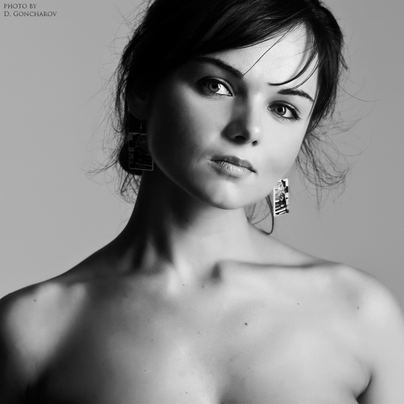 nude portrait 2 by DenisGoncharov