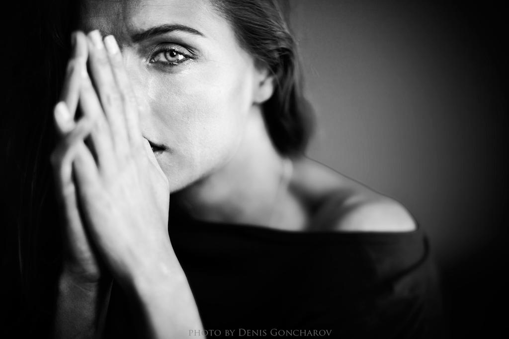 cry by DenisGoncharov