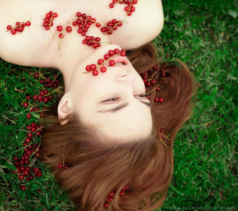 berry by DenisGoncharov