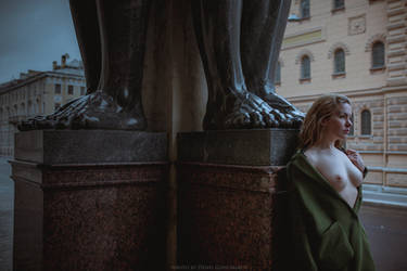 nude in the city by DenisGoncharov