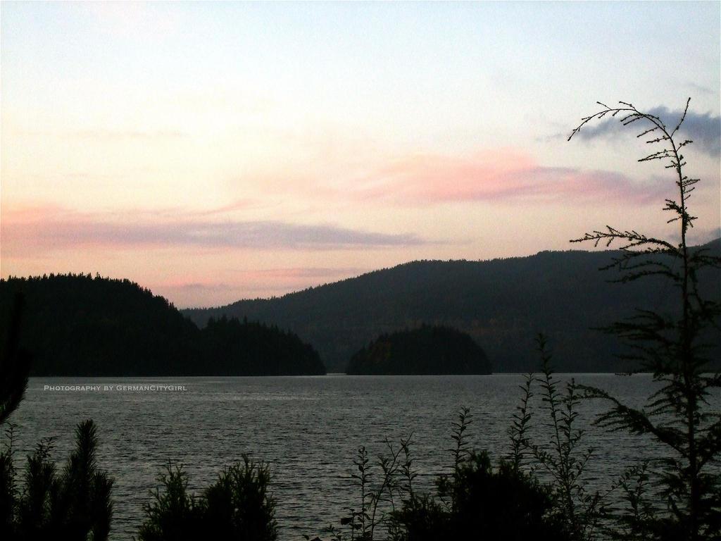 Lake View 03. by GermanCityGirl