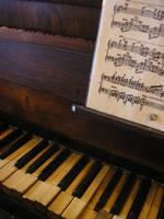 Piano by piticlinina