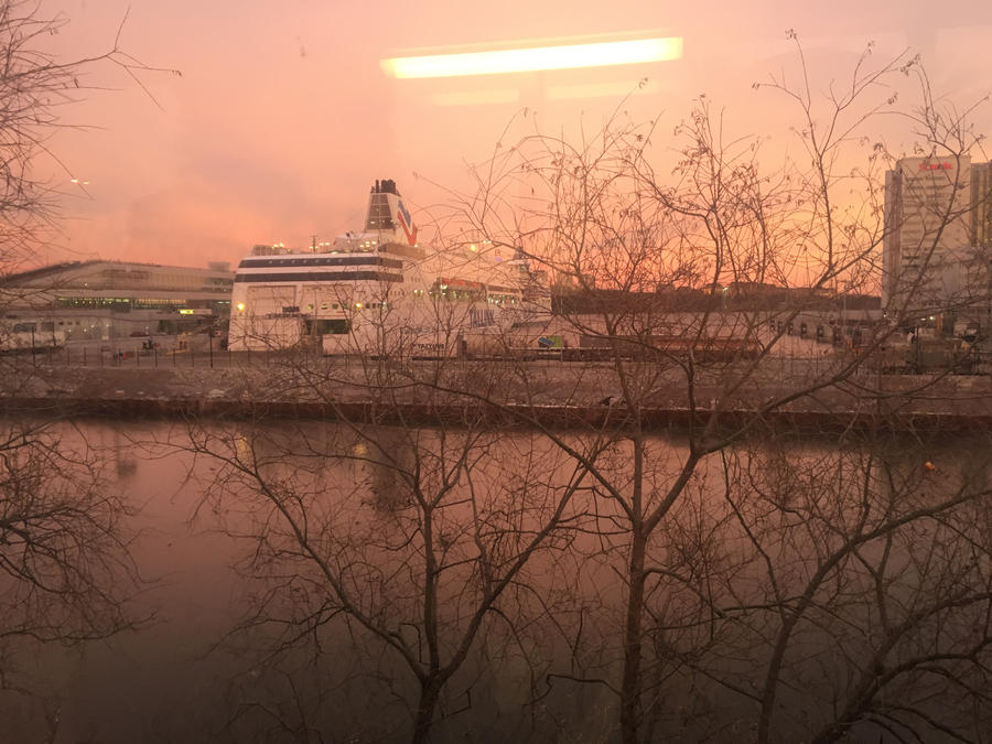 Sunset in Stockholm by midvinterdraken