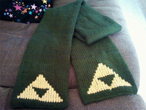 Knitted Triforce Scarf by Vidimus78