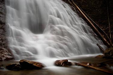Margaret Falls by islandtime