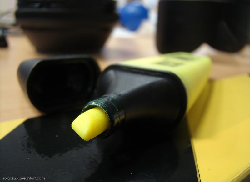 Yellow neon marker by rokicza
