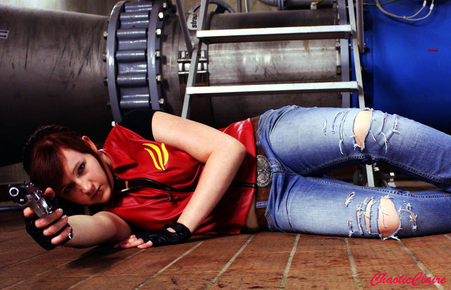 Claire Redfield - CODE Veronica Intro Cosplay by ChaoticClaire