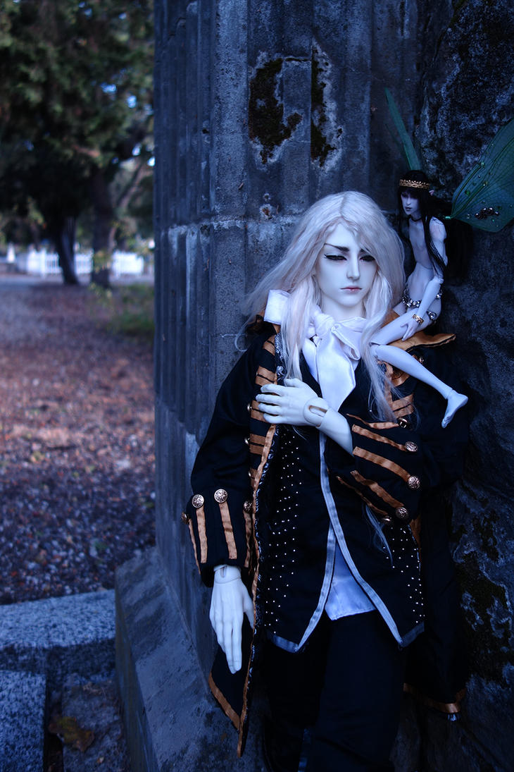 Alucard 5 by batchix