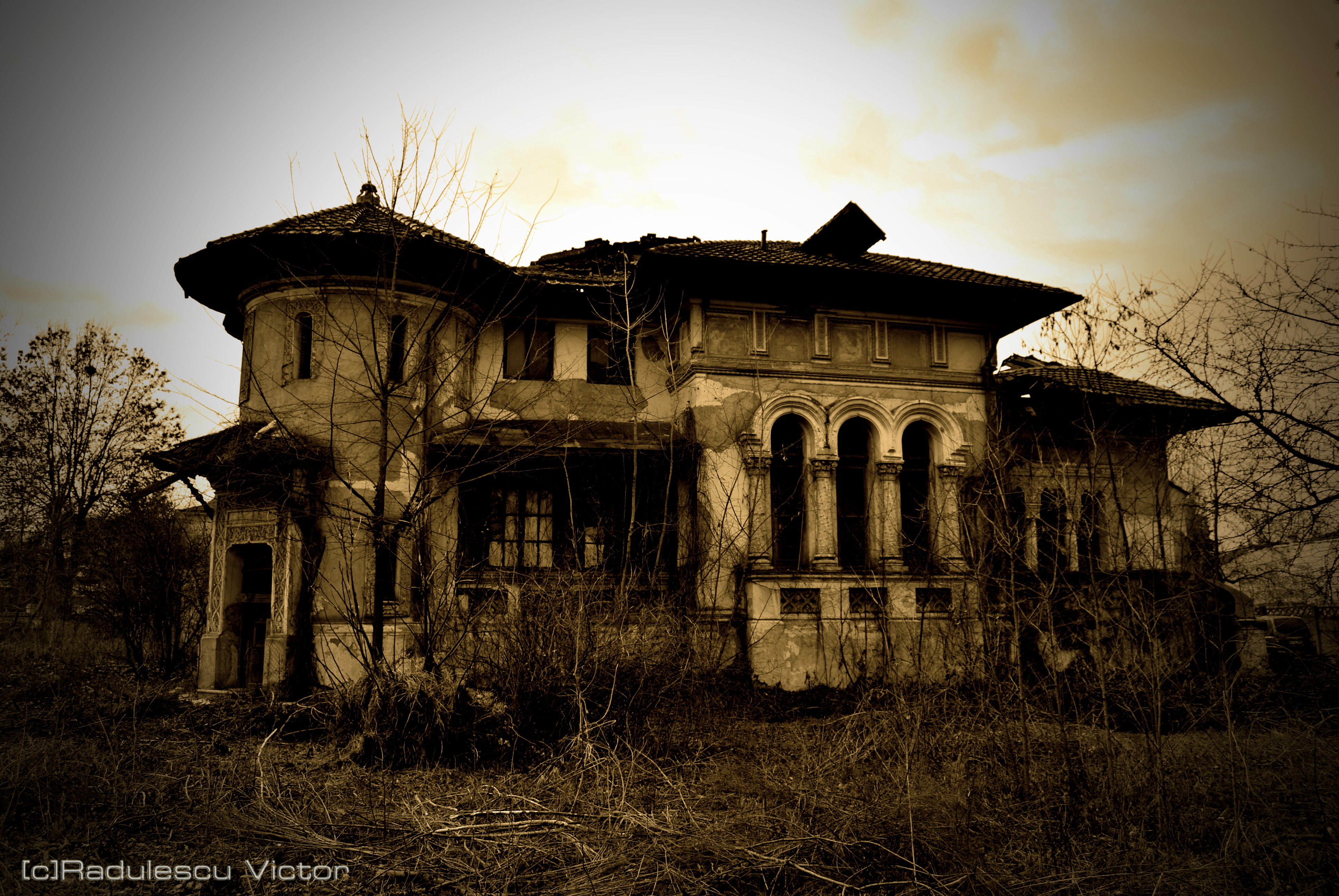 abandoned mansion wallpaper -#main