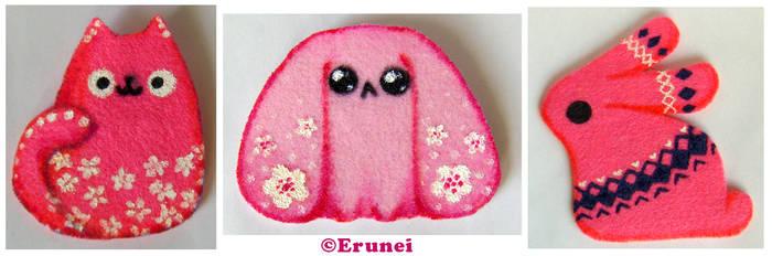 Pink felt critters by Erunei