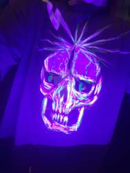 black light skull on t shirt