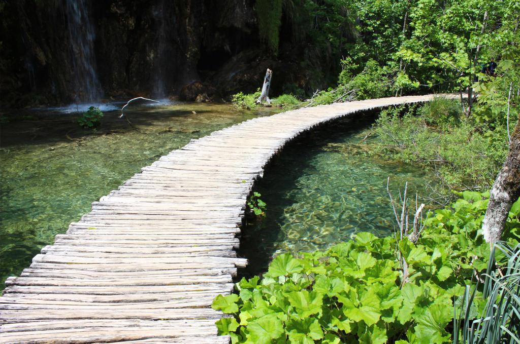 Plitvicka Jezera Boardwalk by c09567812