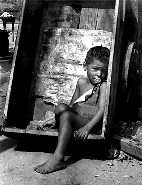 Favela 2 by ozhernandez