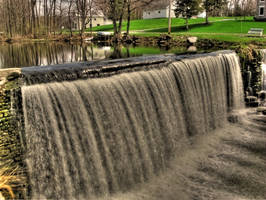 Henderson Waterfall HDR by Lectrichead