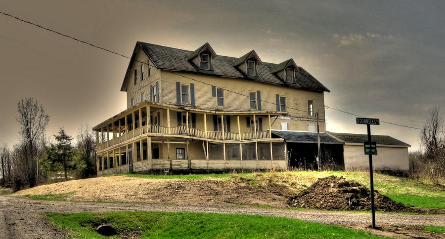 House in Henderson Harbor HDR