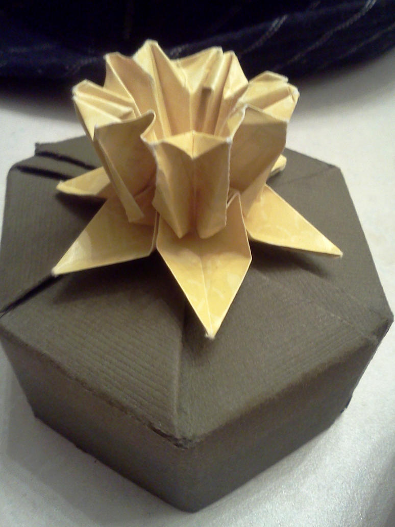 Origami box with flower by chihirolee on deviantart origami box with flower by chihirolee mightylinksfo