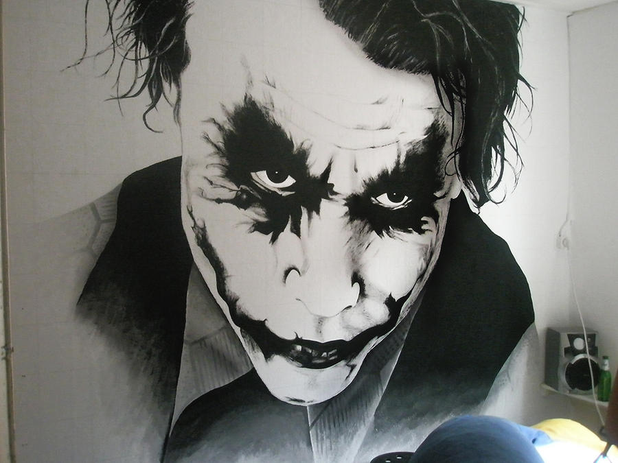 Gargantuan Joker Wallpainting by Ruubski