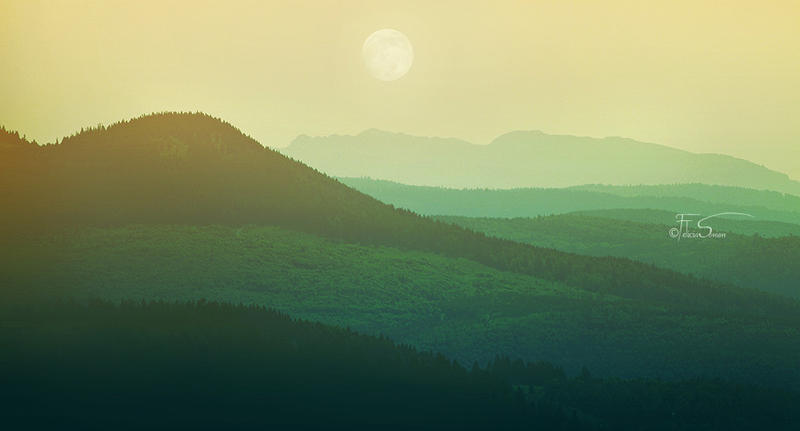Moonscape by iNeedChemicalX
