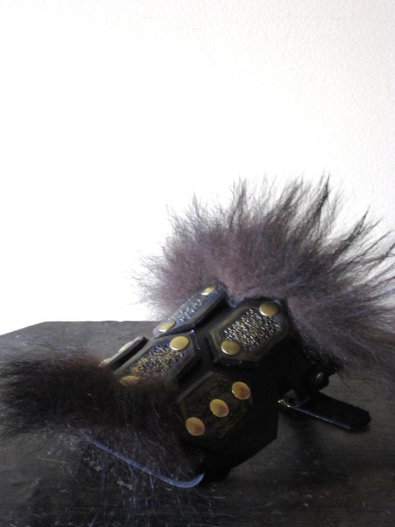 Bear kit Leather Armor (Hand) by Flacusetarhadel