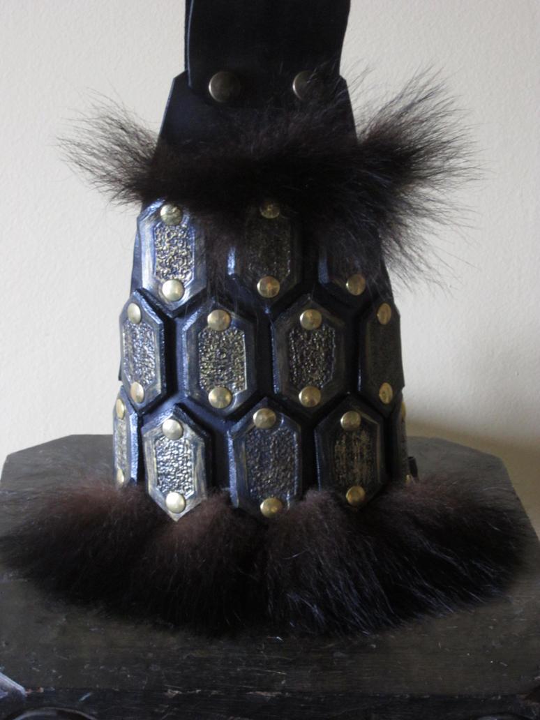 Bear kit Leather Armor (Upper arm) by Flacusetarhadel
