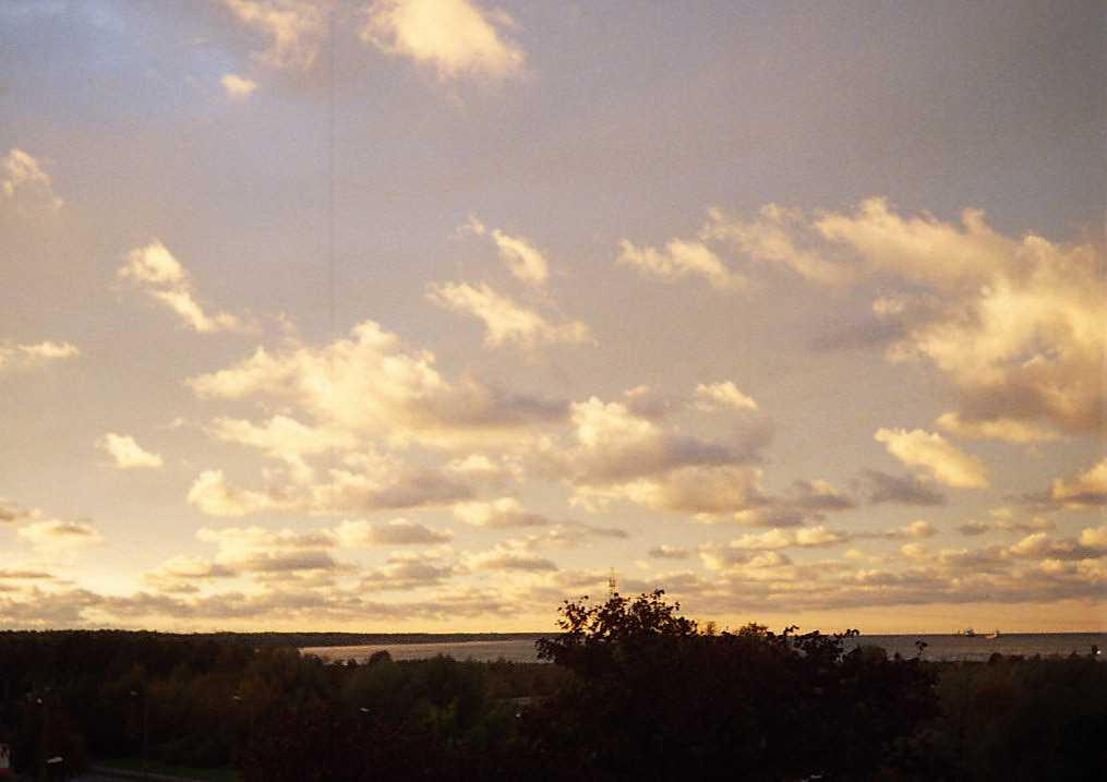 sky again by piraaja
