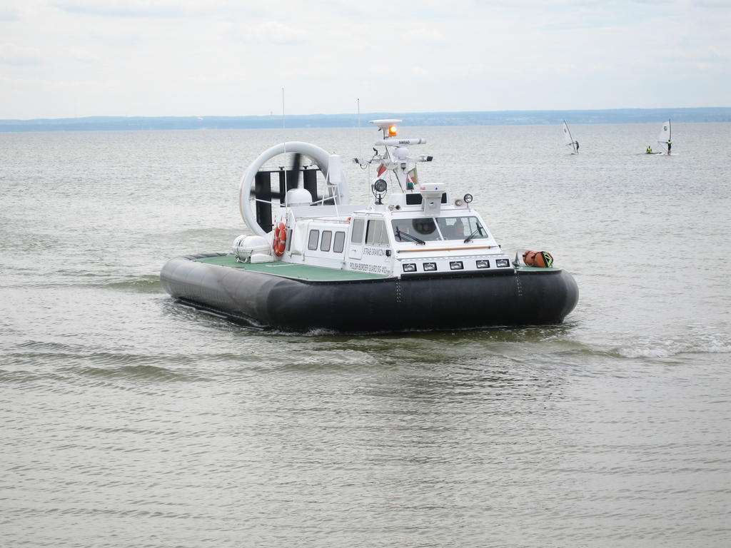 Hovercraft 2 by touik