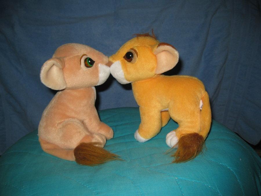 Kissing Simba and Nala by Riza-Izumi on DeviantArt
