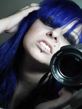 Show me your teeth Blue Girl