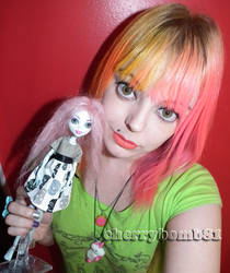 Monster High Doll Wig Tutorial by cherrybomb-81