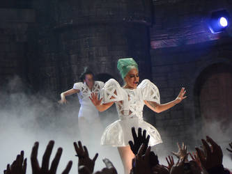 Born This Way Ball VI