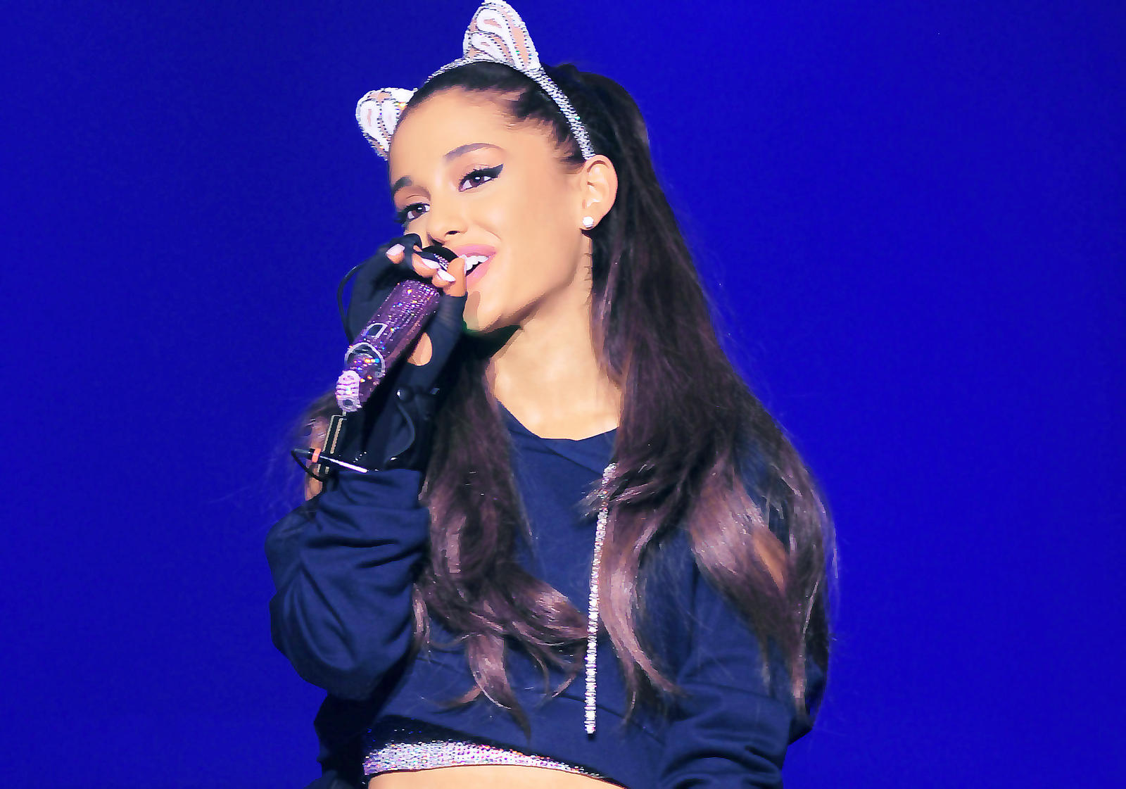 Ariana Grande Wallpapers-28 - GotCeleb: Wallpapers
