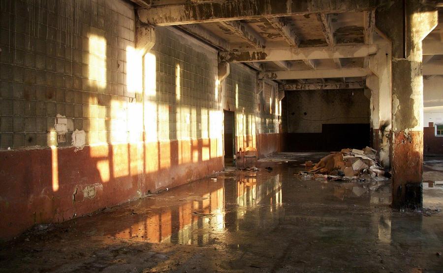 Abandoned shining IV by notHaruhi